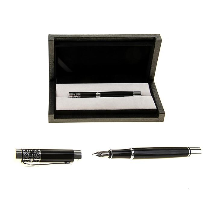 Ручка подарочная перьевая в кожзам футляре Директор черная с серыми вставками