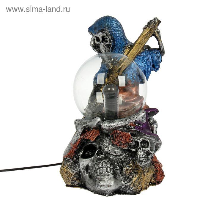 "Плазменный шар ""Скелет с мешком черепов"" 23х16х14 см"