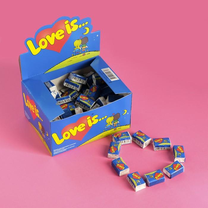 Жевательная резинка Love is, банан и клубника, 4,2 г