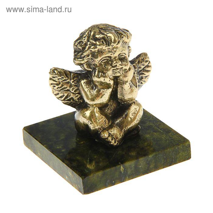 Ангел сидящий из бронзы на подставке из змеевика