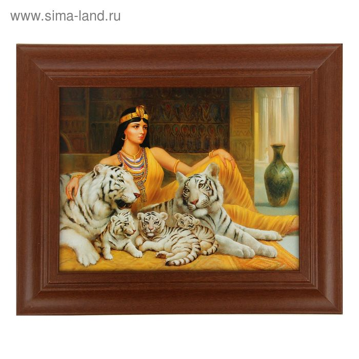 "Ключница ""Клеопатра с тиграми"" орех"