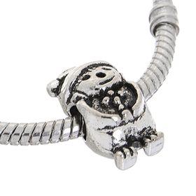 Талисман 'Медвежонок' в шапке, цвет серебро Ош
