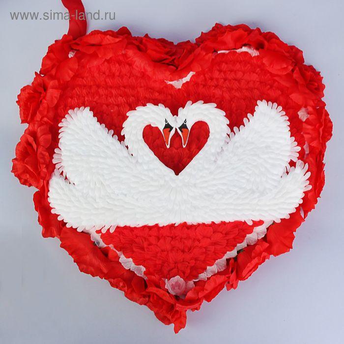 Сердце с лебедями  на капот лепестки 75х70 см красный - белый
