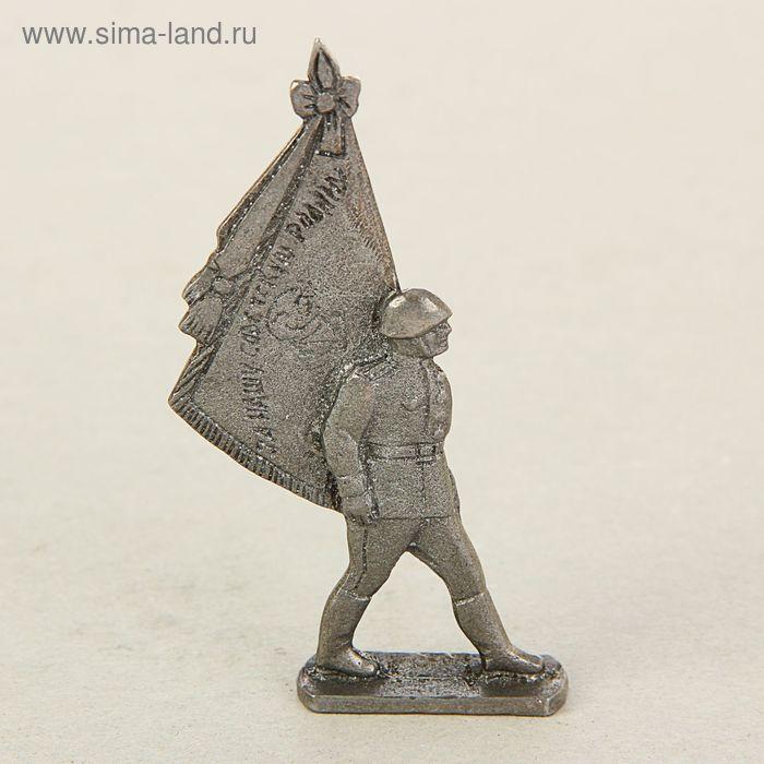 "Сувенир солдатик ""Знаменосец на параде"""