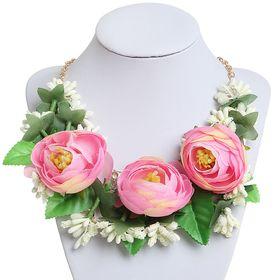 """Колье """"Цветочный шик"""", розы, цветное в золоте"""