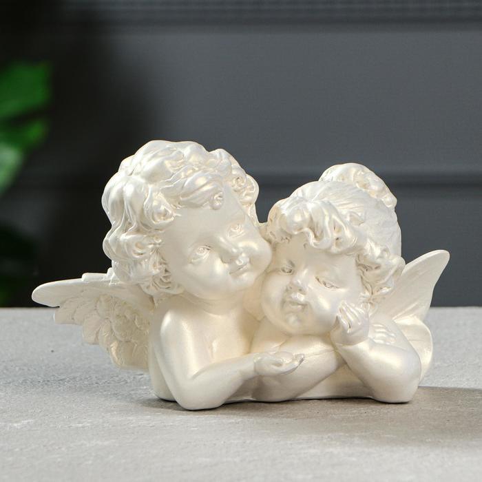 "Статуэтка ""Ангелы пара с алмазом"" перламутровая"