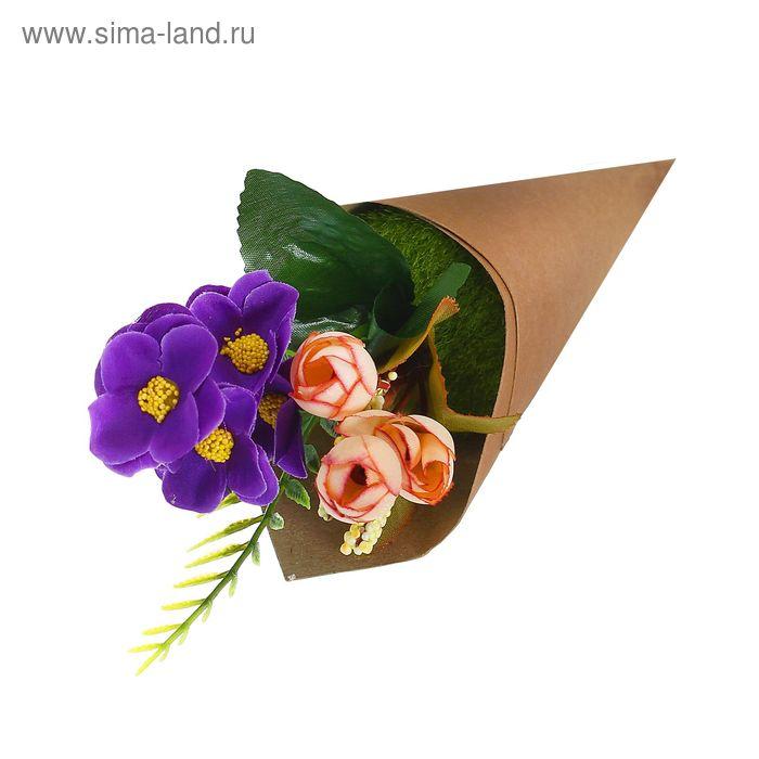 """Цветочная композиция в конусе """"Розы с фиалками"""""""