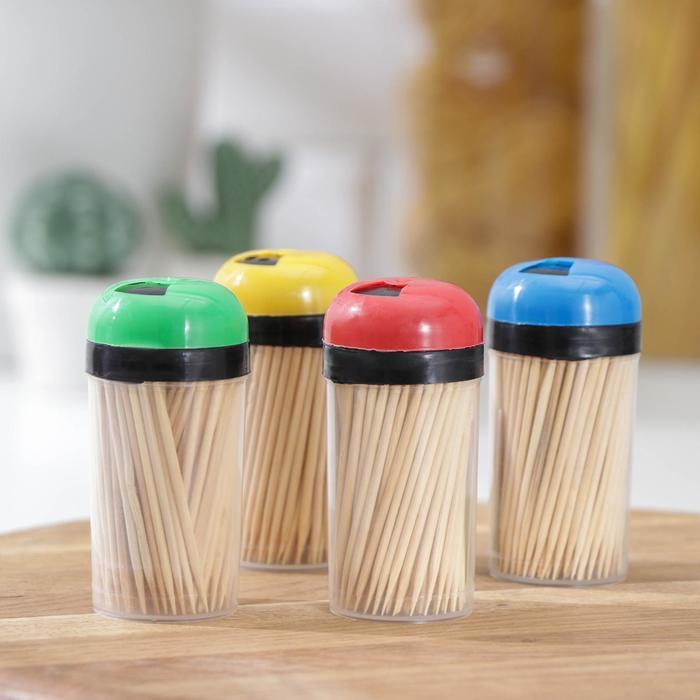 Зубочистки 140-150 шт, в пластиковой баночке цвет МИКС