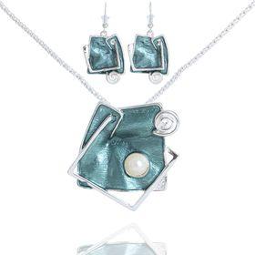 """Гарнитур 2 предмета: серьги, кулон """"Нежность эмали"""" абстракция, цвет зелёный, 45см"""