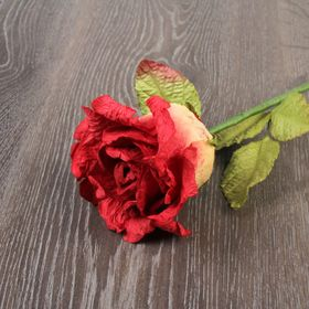 Декоративный цветок 'Красная роза' Ош