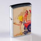 Зажигалка «Девушка в чулочках» в металлической коробке, кремний, бензин, 6x8 см
