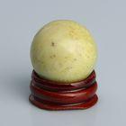 Шар из камня. Оливковый жадеит от 29мм/55г: подставка, коробка