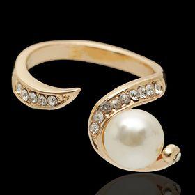 """Кольцо """"Жемчужина"""" изыск, цвет белый в золоте, размер 18"""