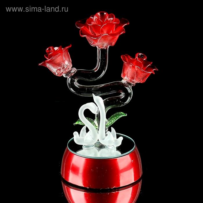 """Сувенир световой """"2 лебедя с розами"""""""