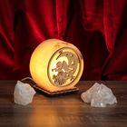 """Соляной светильник """"Круглый"""", малый, с узором """"Ангел"""", 12 х 6 см, деревянный декор, цельный кристалл"""