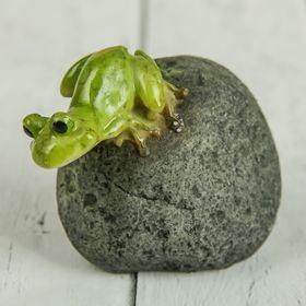 "Сувенир ""Любопытный лягушонок"" 6х4х4,5 см"