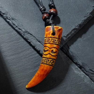 """Кулон мужской """"Клык"""" длина 40-80см регулир-я, цвет коричнево-черный"""