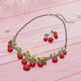 """Набор 2 предмета: серьги, колье """"Спелые ягоды"""" вишня, цвет красно-зелёный в сером металле"""