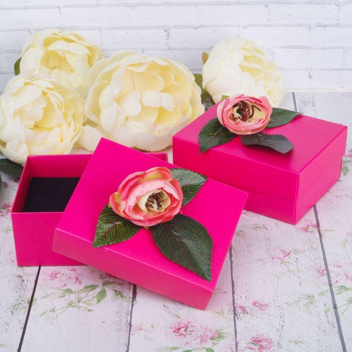 """Коробочка подарочная под набор """"Пион"""" 8,5*11*5, цвет розовый, вставка черная"""