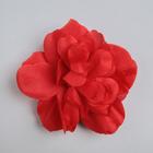 Красный цветок для декора