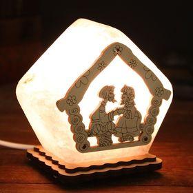 Соляной светильник 'Домик', малый, 19 х 13 см, деревянный декор, цельный кристалл Ош