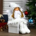 """Кукла интерьерная """"Ангел-девочка в белой шубке, колпаке и шарфике"""" 47 см"""