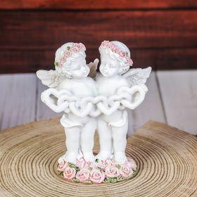 """Сувенир полистоун """"Ангелочки в розовых веночках держат гирлянду из сердец"""" 9,5х8,5х5 см"""