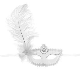 Карнавальная маска белая с цветком большое перо 10*18