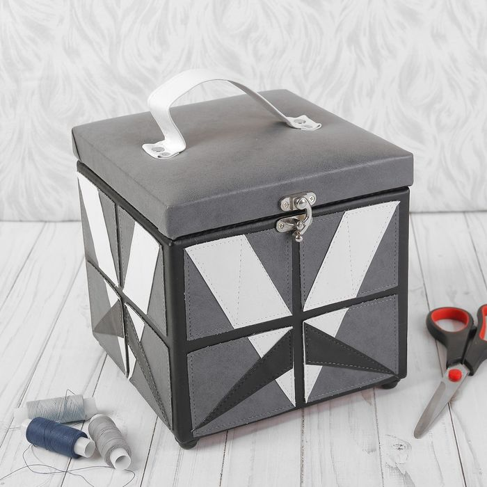 Шкатулка малая квадратная BN3689 G&G 19х19х17,5 см