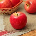 Муляж яблоко розовое 7*6 см