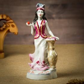 "Сувенир ""Девушка с вазой"" фарфор, ручная работа"