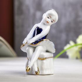 "Сувенир керамика под фарфор ""Балеринка на пуфе"" кобальт 8х5х5 см"