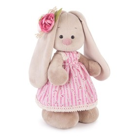 """Мягкая игрушка """"Зайка Ми"""" в деревенском платье, 25 см"""