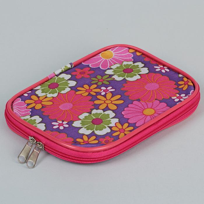 """Сумка для вязальных инструментов для вязальных крючков """"Цветы на фиолетовом фоне"""" 13*18*2см"""