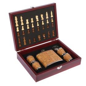 Набор подарочный 8 в 1: шахматы, фляжка 6 oz под дерево, 4 рюмки, воронка, фигуры, 18х24 см