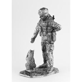 Оловянный солдатик 'Вежливый с котом' Ош