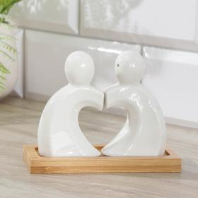 """Набор для специй 50 мл """"Эстет.Влюбленность"""", 2 шт: солонка, перечница, на деревянной подставке"""