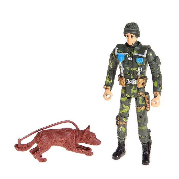 Солдат с овчаркой