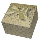 """Коробка крафт из рифленого картона с бантом """"Сердца и бабочки"""" 13 х 13 х 7 см."""