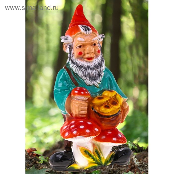 """Садовая фигура """"Гном с грибами"""" красный колпак"""