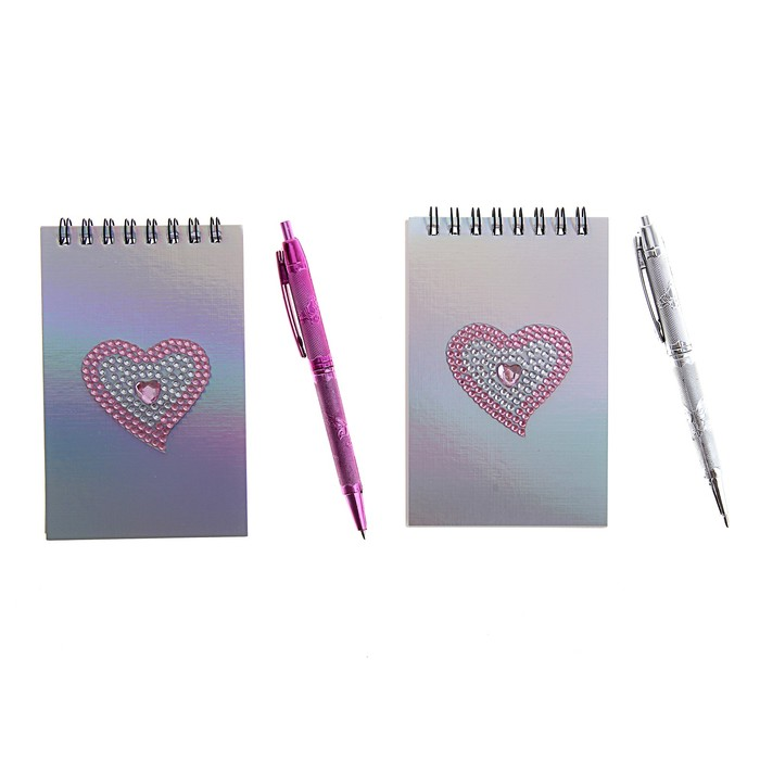Блокнот А6 30л лин на гребне с ручкой в пластиковой коробочке Сердечко из блесток МИКС
