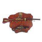 Сувенирное оружие на фигурном планшете «Ружьё и пистолет», накладной элемент — лев