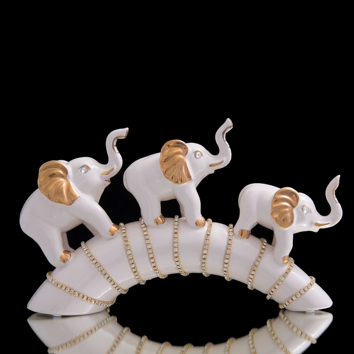 "Сувенир ""Три слона белые на дуге со стразами"""