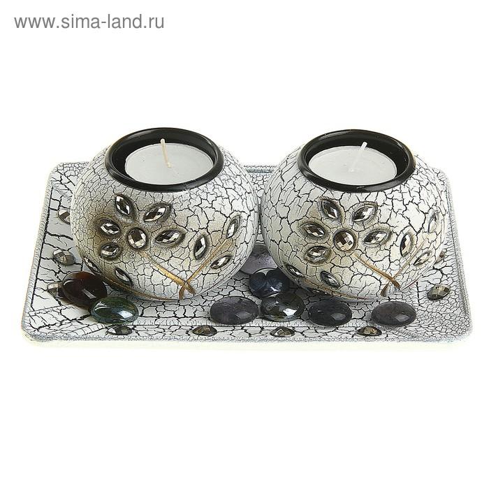 """Набор """"Антик"""": 2 подсвечника со свечами и квадратная подставка, с декором"""