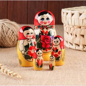 Матрёшка «Яблочко», красный платок, 5 кукольная, 9 см