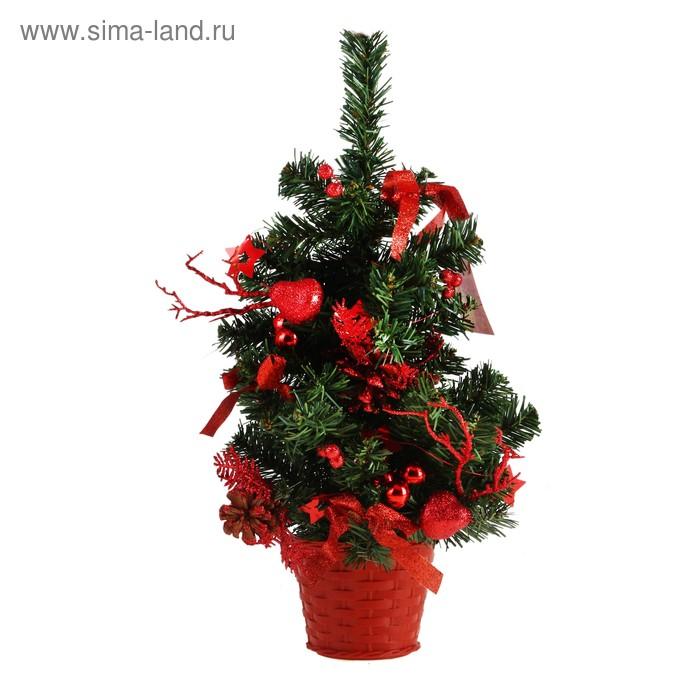 Ёлка настенная с красным декором