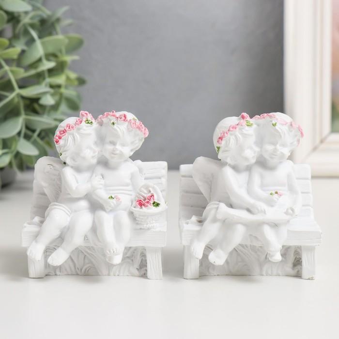 """Сувенир """"2 ангелочка в розовом веночке на скамейке"""""""