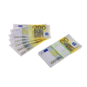 Пачка купюр 200 евро
