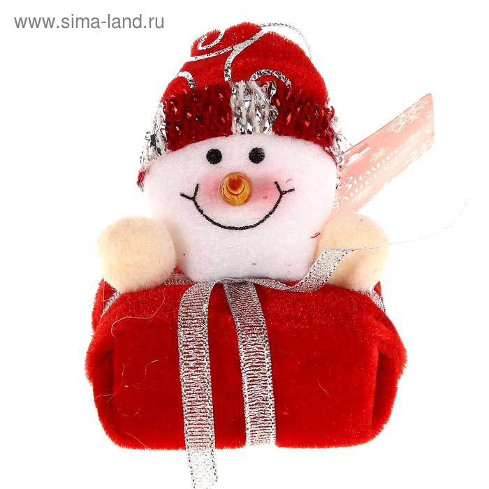 """Мягкая ёлочная игрушка """"Снеговик-подарок"""""""