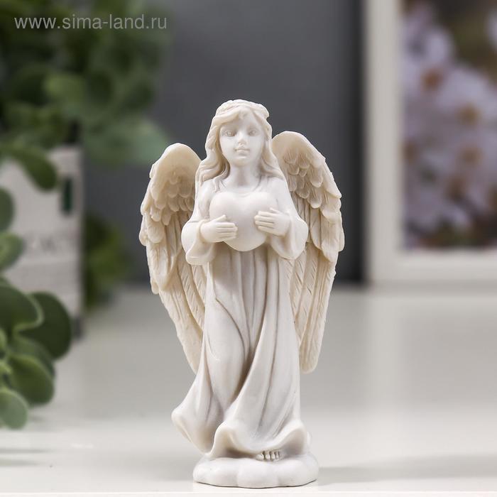 """Сувенир """"Ангел-хранитель с сердцем"""""""